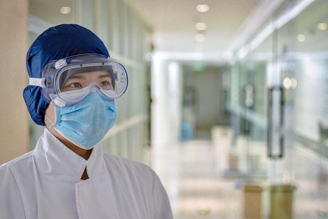 Повышать иммунитет надо высокотехнологичными средствами, потому что это быстро.