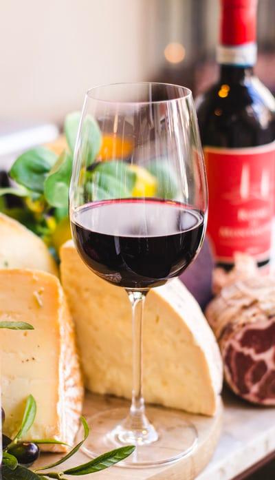 красное столовое вино